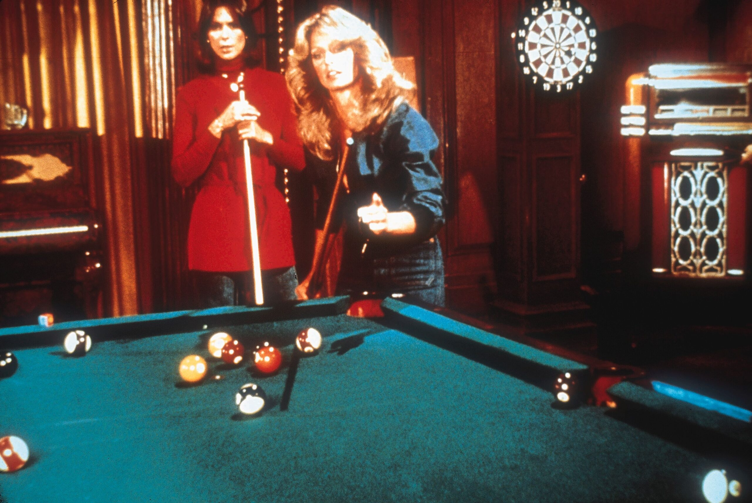 Charlie 39 s angels 8 ball on the silver screen for Tv show pool hustlers